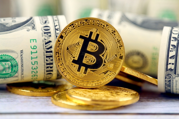 На рынке криптовалют замечены миллиардные транзакции