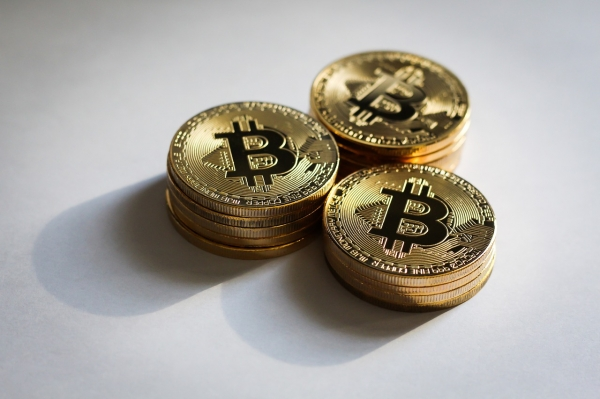 В последние дни 2020 года крупные инвесторы увеличили скупку биткоинов