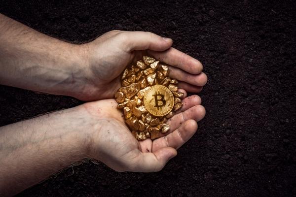 Выручка майнеров биткоинов выросла в октябре на 8%